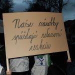 Dočítali sme sa, že väčšina pracujúcich si na Slovensku zarobí za rok okolo 15-tisíc EUR: Realita je však taká, že väčšina z nás je rada, keď zarobí aspoň polovicu tejto sumy…